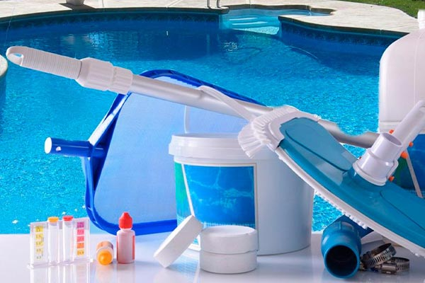 سرویس و نگهداری آب استخر